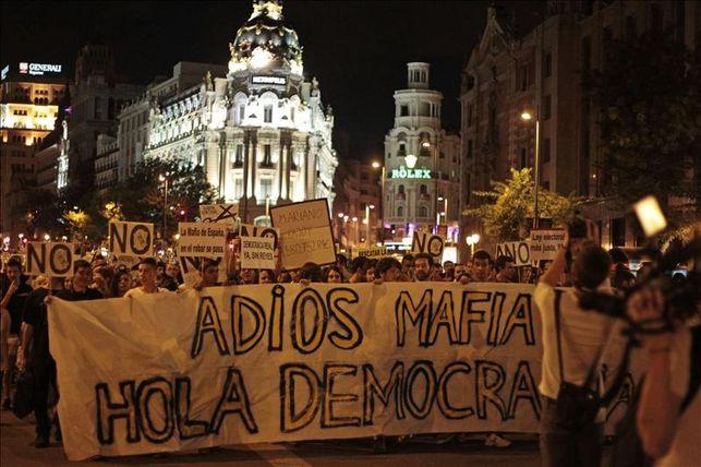 calle-Madrid-mafia-hola-democracia_EDIIMA20131005_0360_14