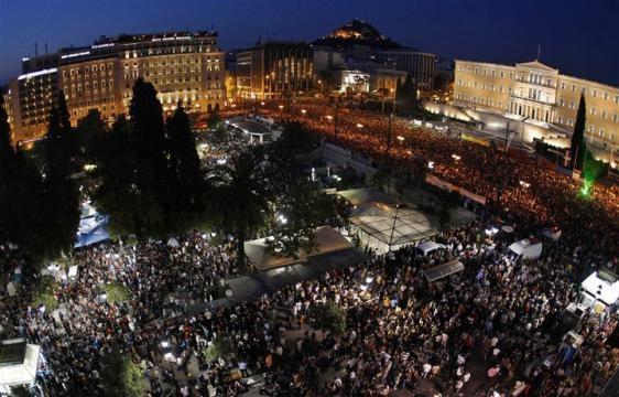 manifestacion-en-la-plaza-syntagma-en-atenas_234091